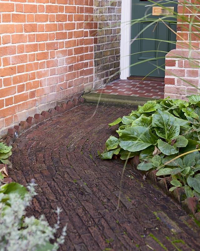 Voortuin ontwerpen met een tuinpad