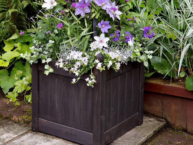 vierkante houten plantenbak